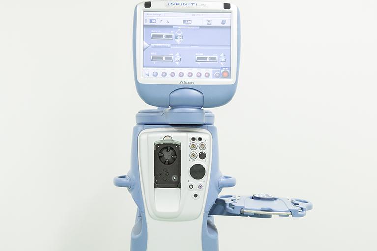 白内障手術:インフィニティ®ビジョンシステム(Alcon)